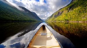 boat_in_river_751